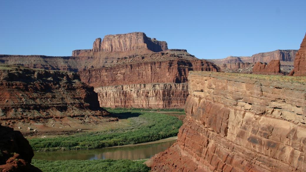Vue sur le Colorado depuis la Potash Roah, près de Moab, Utah.