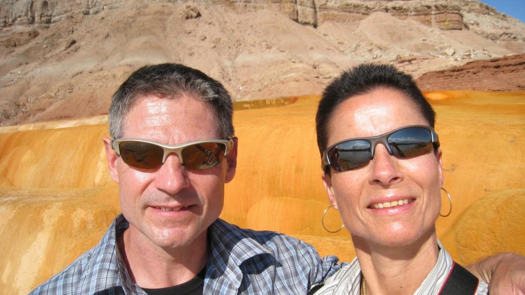 Stefano et Marie-Catherine à Crystal Geyser, près de Green River, dans l'Utah.