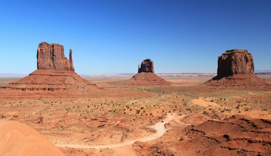 Vue sur les Mittens et la Merrick Butte de Monument Valley.
