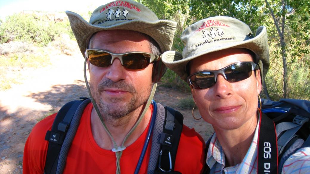 Stefano et Marie-Catherine à Arch Canyon, près de Blanding, Utah.