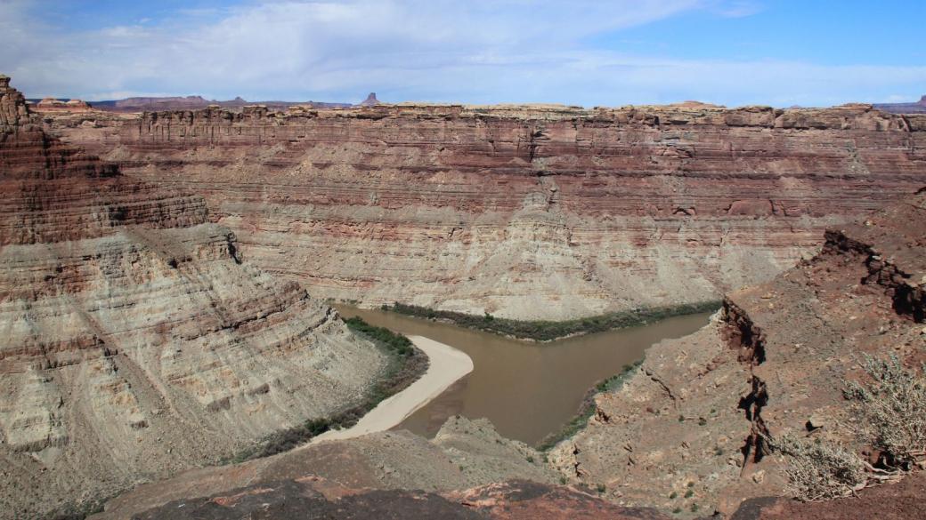 Vue depuis Confluence Overlook, où le Green River et le Colorado se rejoignent.