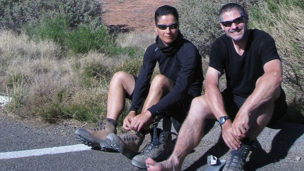 Stefano et Marie-Catherine au Devil's Garden Trailhead, à Arches National Park, Utah.