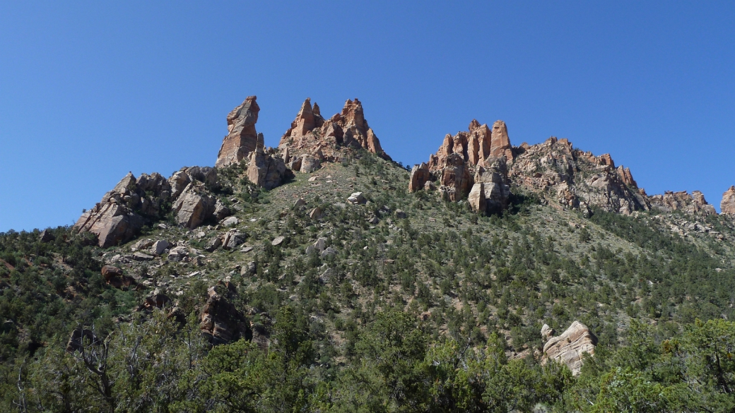 Eagle Crags et ses formations rocheuses imposantes. Près de Rockville, Utah.