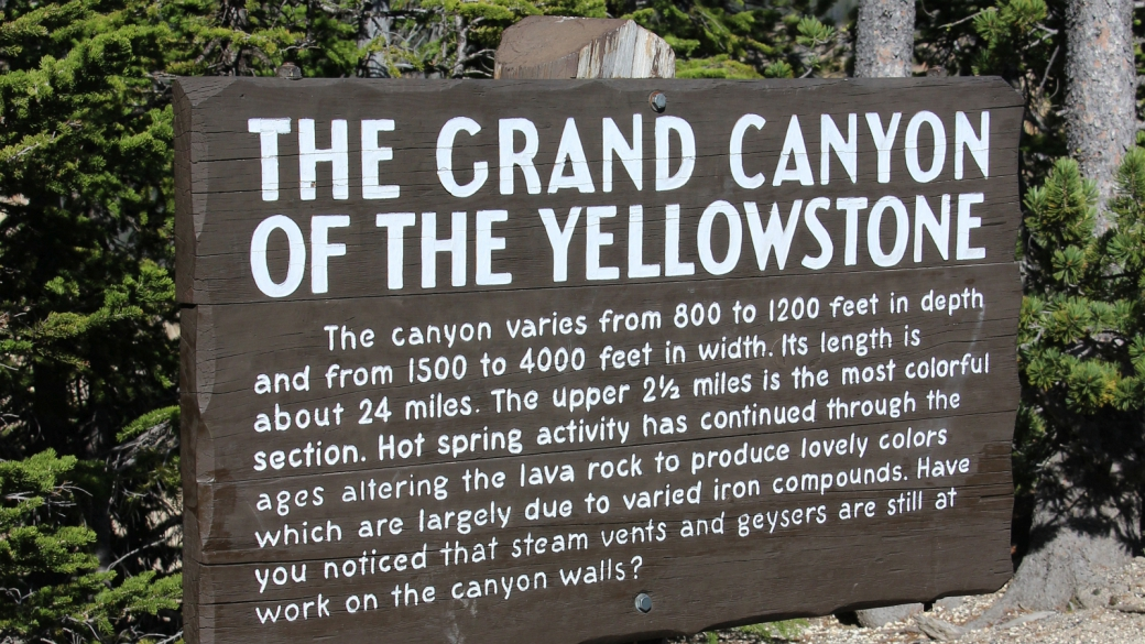 Panneau du Grand Canyon of the Yellowstone, un large canyon creusé par le Yellowstone River. À Yellowstone National Park.
