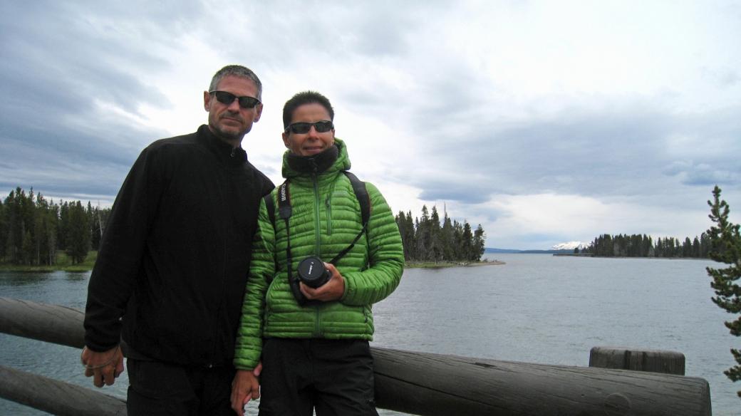 Stefano et Marie-Catherine sur le Fishing Bridge, à Yellowstone National Park.