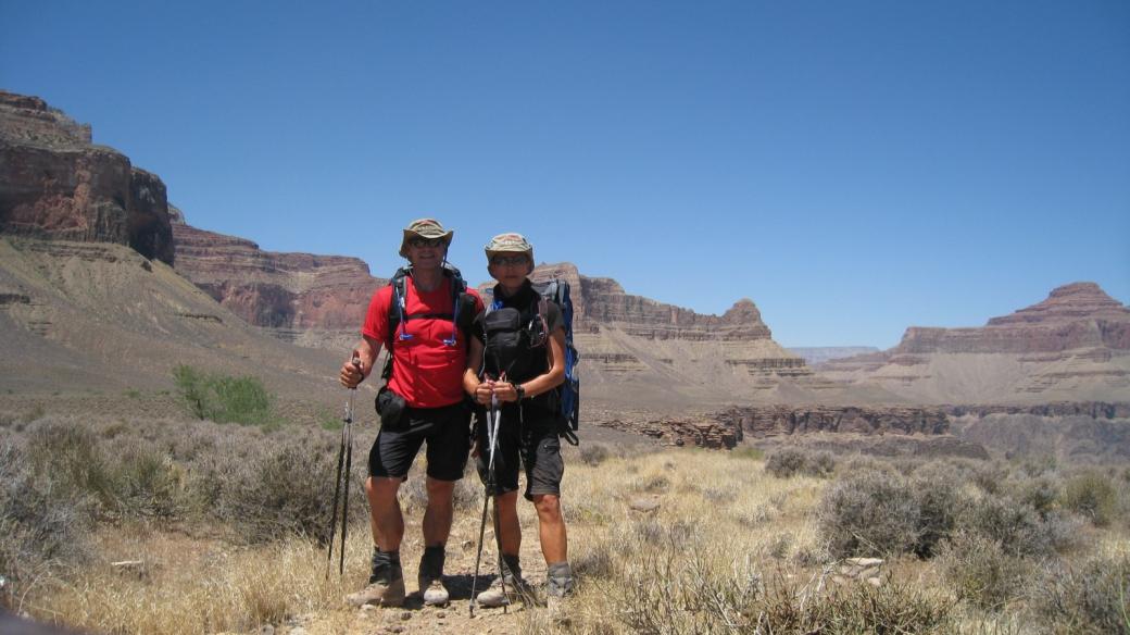 Stefano et Marie-Catherine sur le sentier qui mène à Plateau Point, au Grand Canyon.