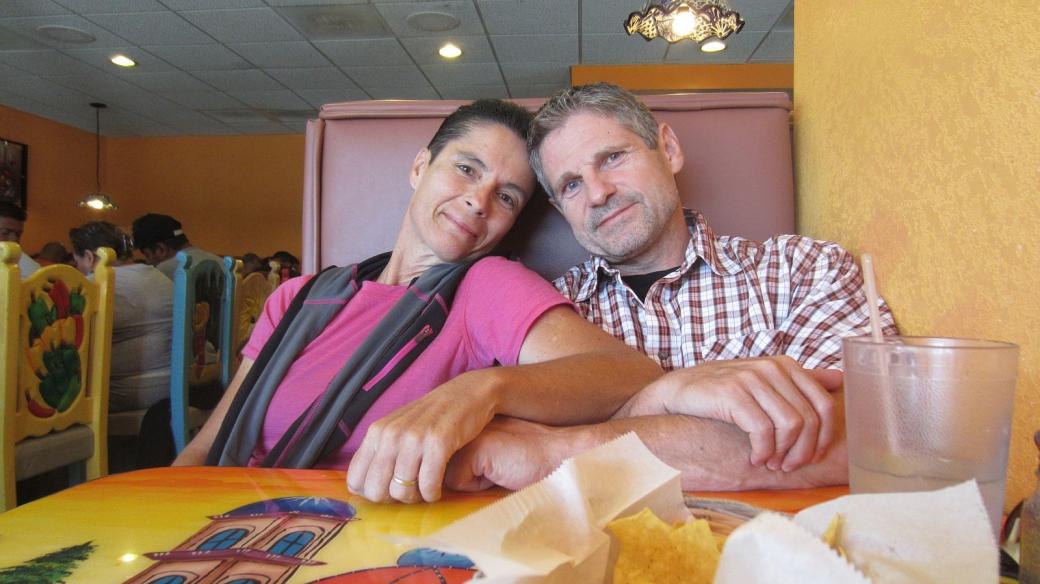 Stefano et Marie-Catherine au restaurant Plaza Bonita, notre cantine officiele à Tusayan, Arizona.