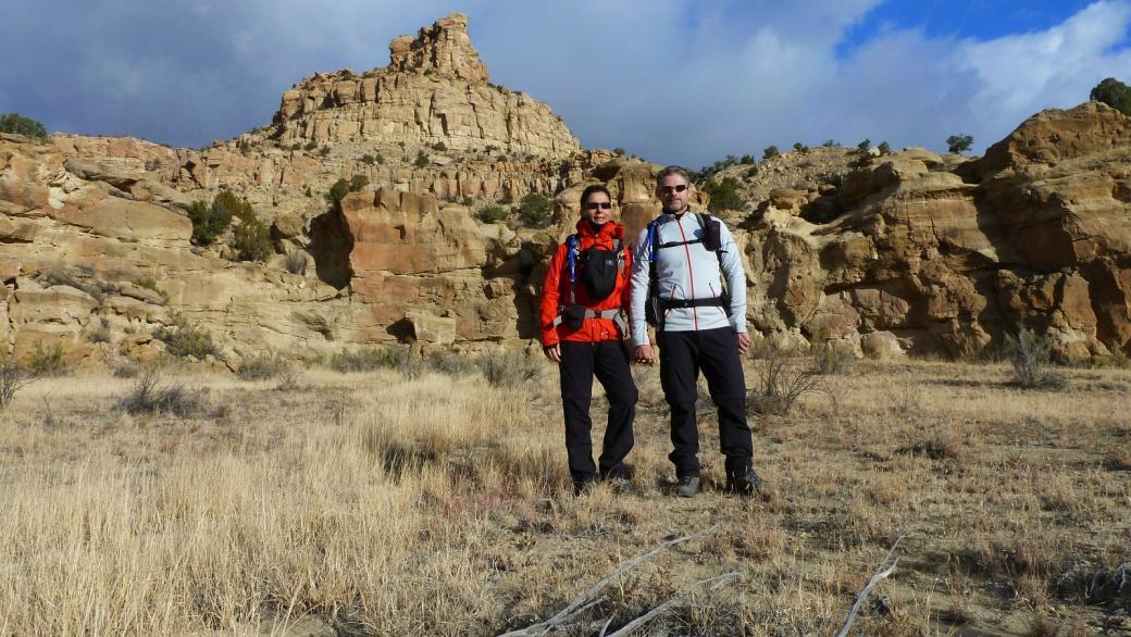 Stefano et Marie-Catherine lors de leur première visite de Crow Canyon, près de Farmington, au Nouveau-Mexique.
