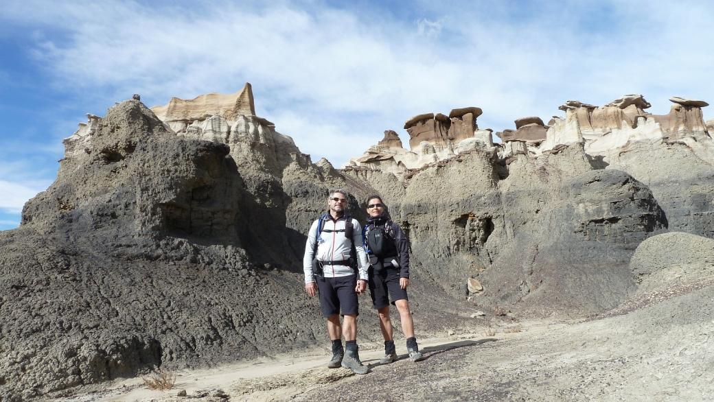 Stefano et Marie-Catherine à Bisti Wilderness, au Nouveau-Mexique.