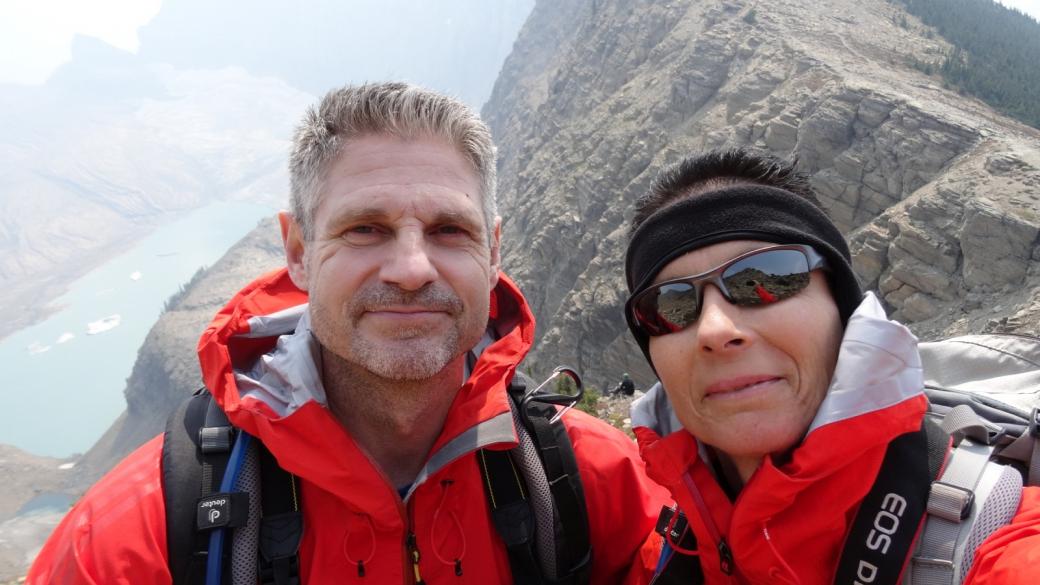 Stefano et Marie-Catherine au Grinnell Glacier Overlook. À Glacier National Park, dans le Montana.