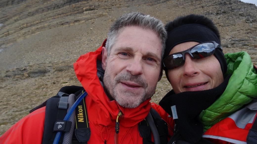Stefano et Marie-Catherine frigorifiés à Siyeh Pass, un col à Glacier National Park.