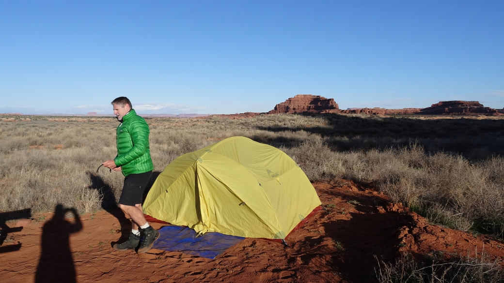 Stefano devant la tente au Needles Outpost en 2016. Canyonlands National Park, dans l'Utah.
