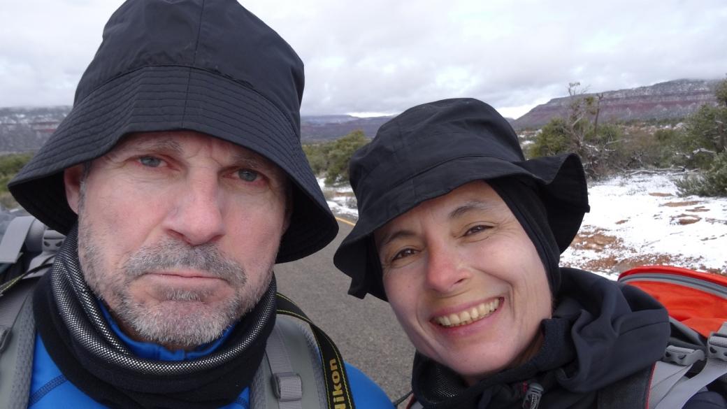 Stefano et Marie-Catherine à Natural Bridges Monument, près de Blanding, Utah.