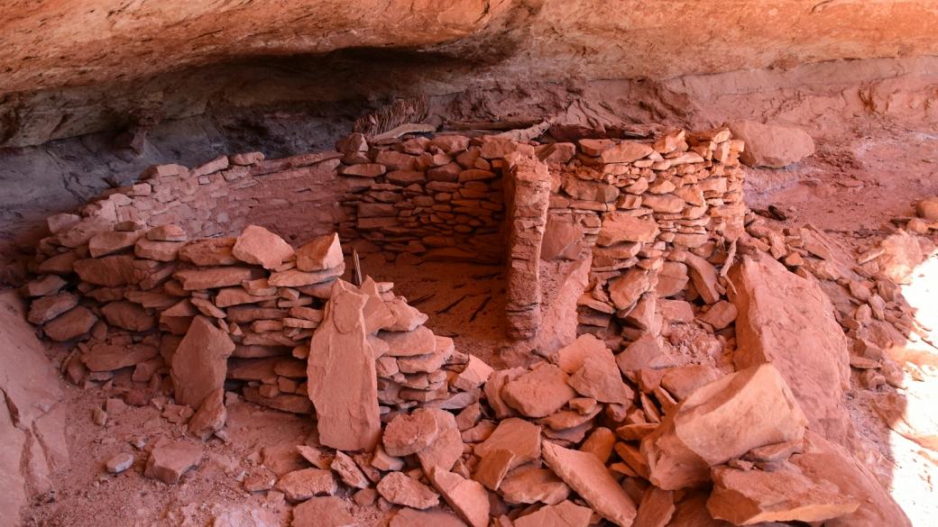 Ruines Anasazi dans Polly's Canyon, du côté du Grand Gulch, dans l'Utah.