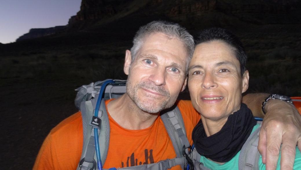 Stefano et Marie-Catherine sur le South Kaibab Trail, à la jonction avec le Tonto Trail. Au Grand Canyon, dans l'Arizona.