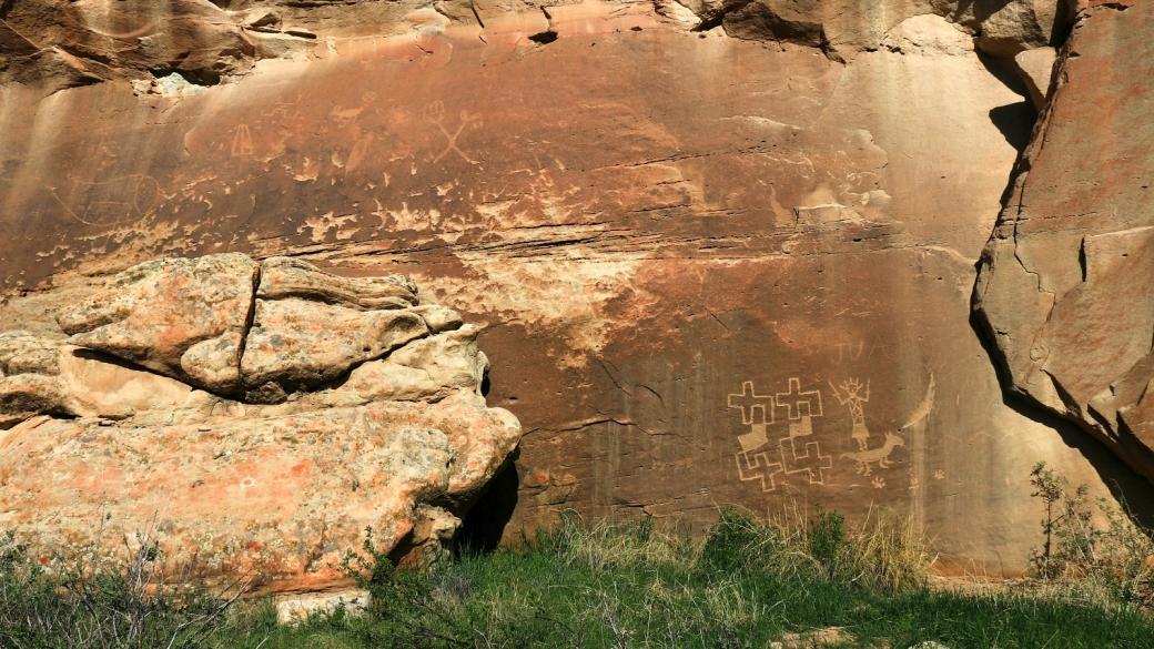 Vue sur les pétroglyphes de 44 Panel, à Crow Canyon, près de Farmington, Nouveau-Mexique.