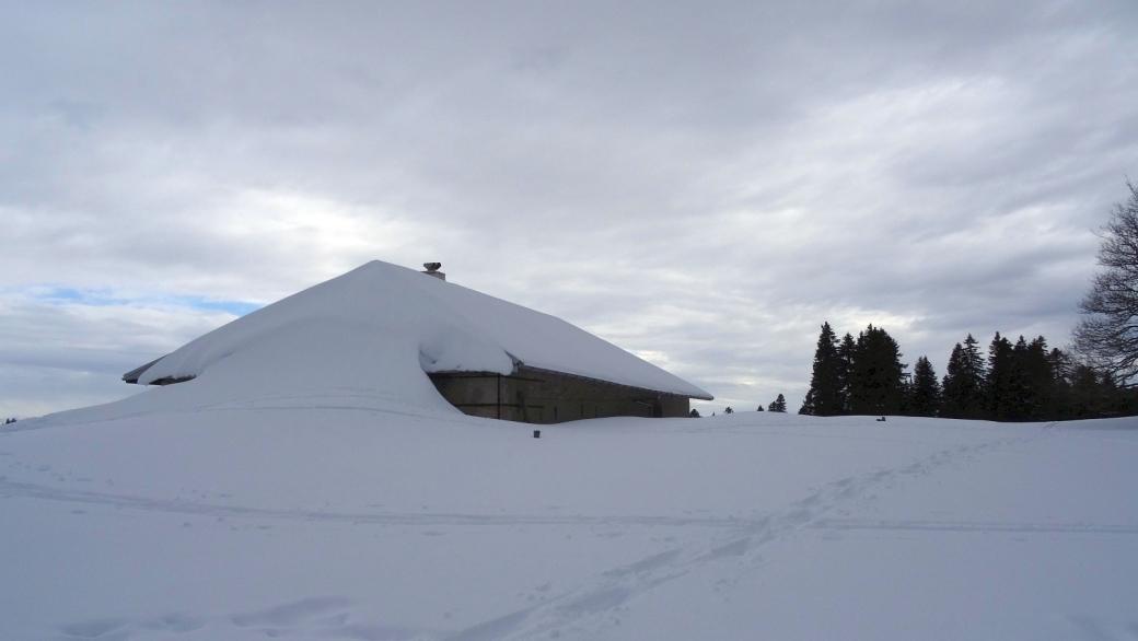 Le chalet du Petit Pré de Rolle sous la neige.
