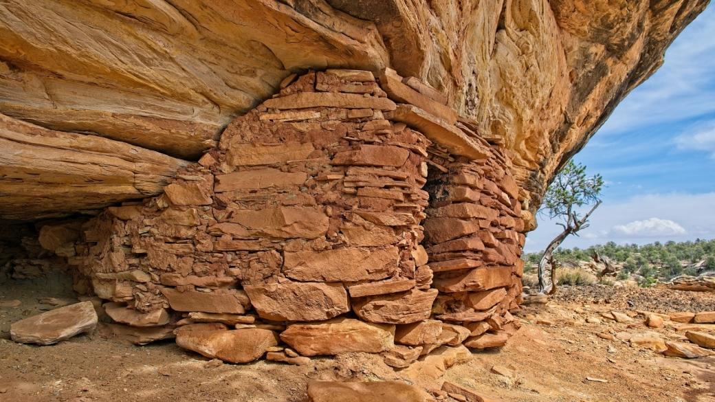 Petite ruine trouvée par hazard en remontant le Bullet Canyon, dans l'Utah.