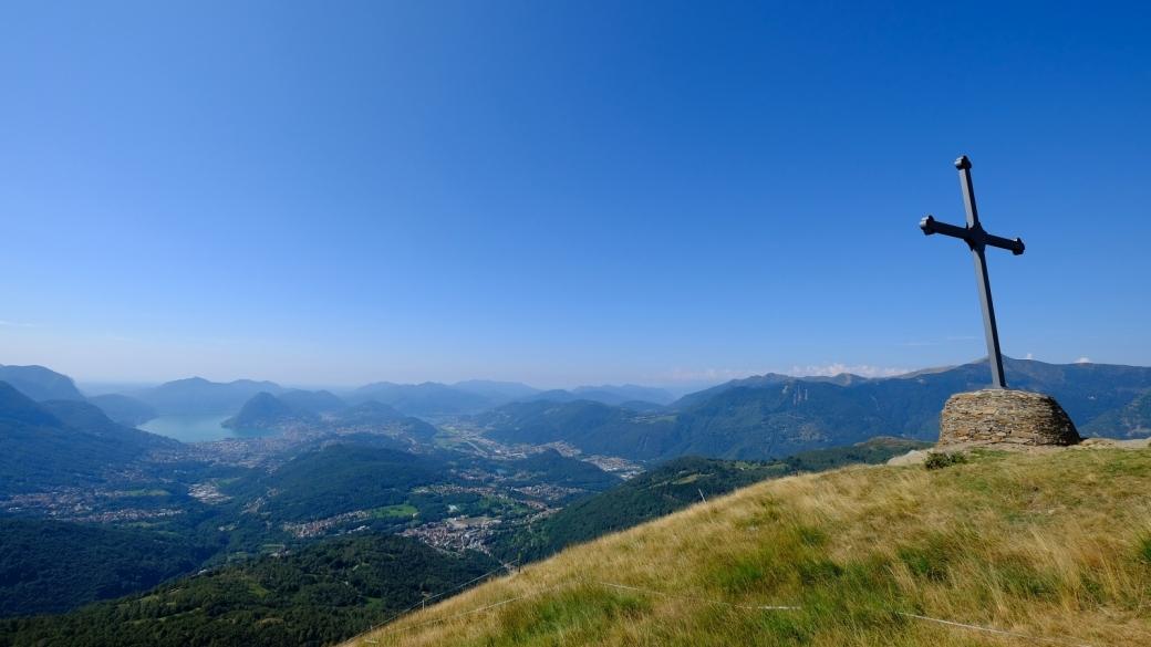 Vue sur la vallée du Cassarate et Lugano depuis le Motto della Croce.