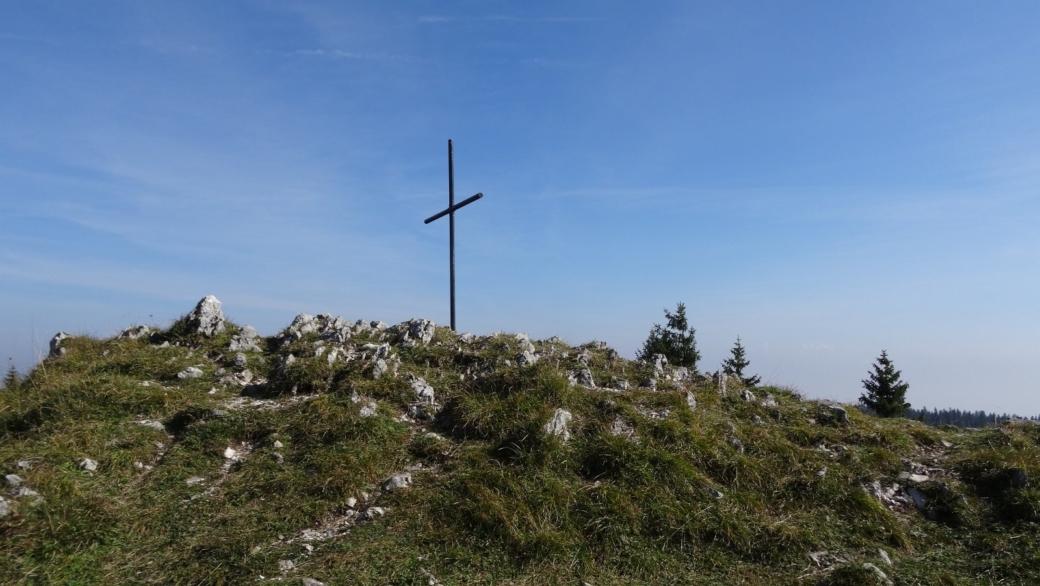La croix de la Noirmont, sur les hauts du paturage de l'Arzière, dans le Jura vaudois.
