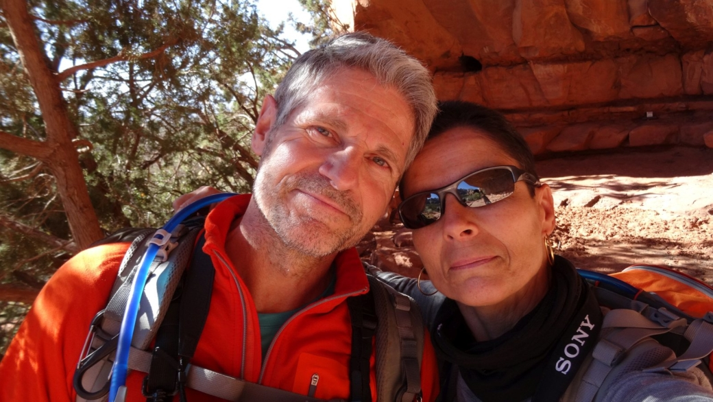 Stefano et Marie-Catherine à Palatki Heritage Site, près de Sedona, dans l'Arizona.