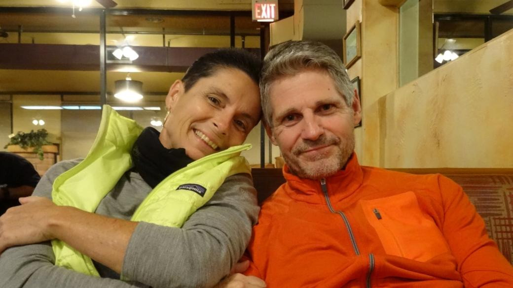 Stefano et Marie-Catherine au Cafe José, notre cantine officielle de Sedona, dans l'Arizona.