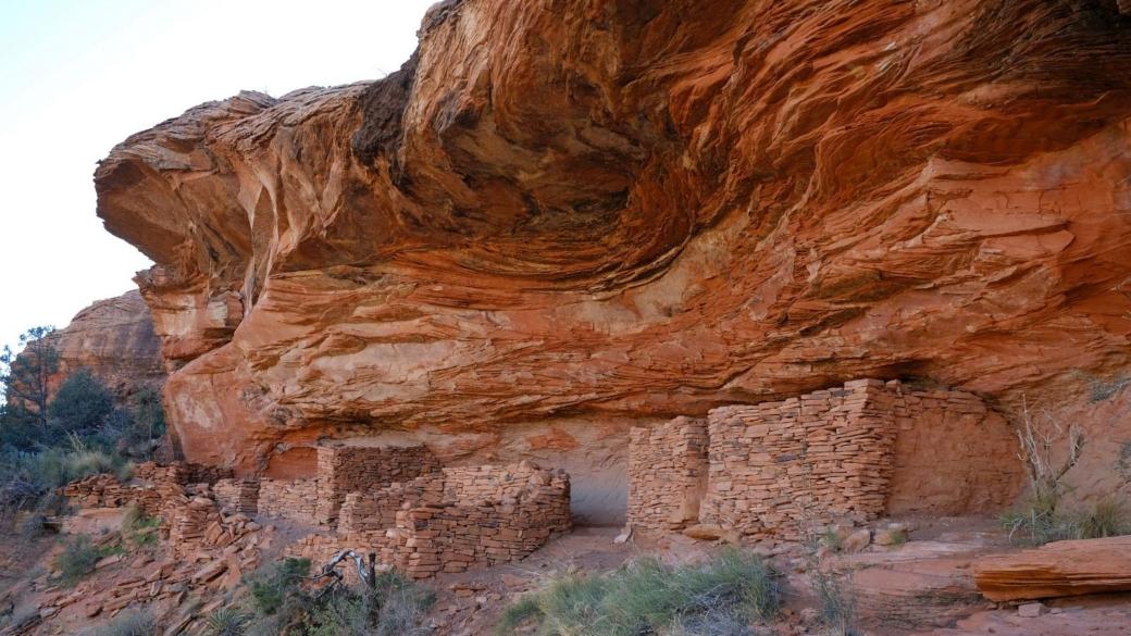 Vue d'ensemble du complexe de ruines de Loy Canyon, près de Sedona, dans l'Arizona.