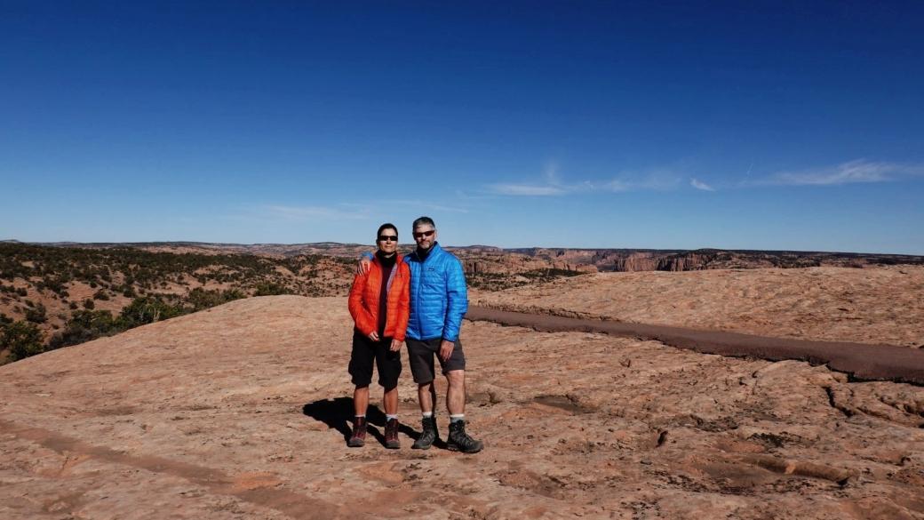 Stefano et Marie-Catherine sur le Sandal Trail, à Navajo National Monument.