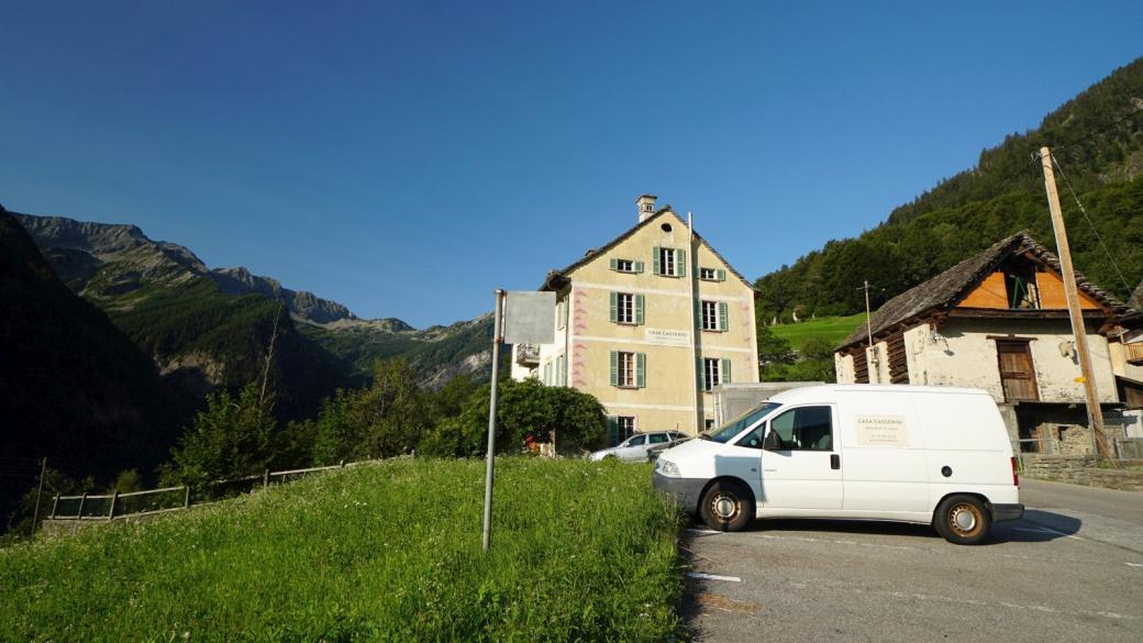 Parking public de Linescio, Valle Rovana.